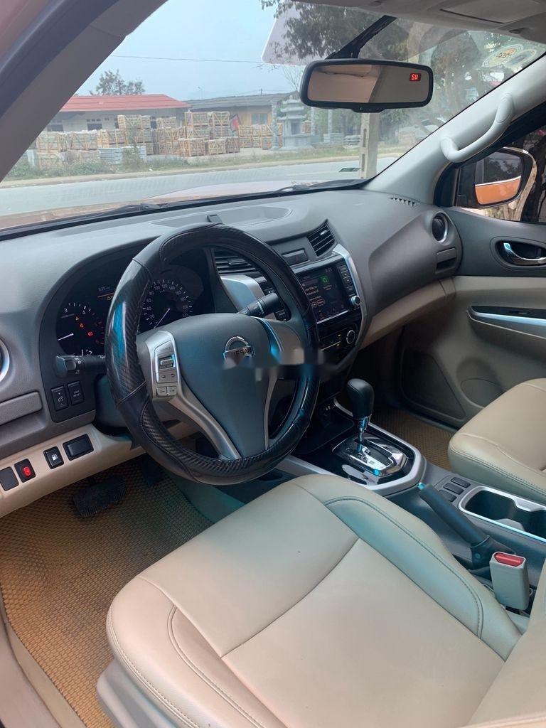 Cần bán gấp Nissan Navara năm 2019, xe nhập, giá 589tr (8)