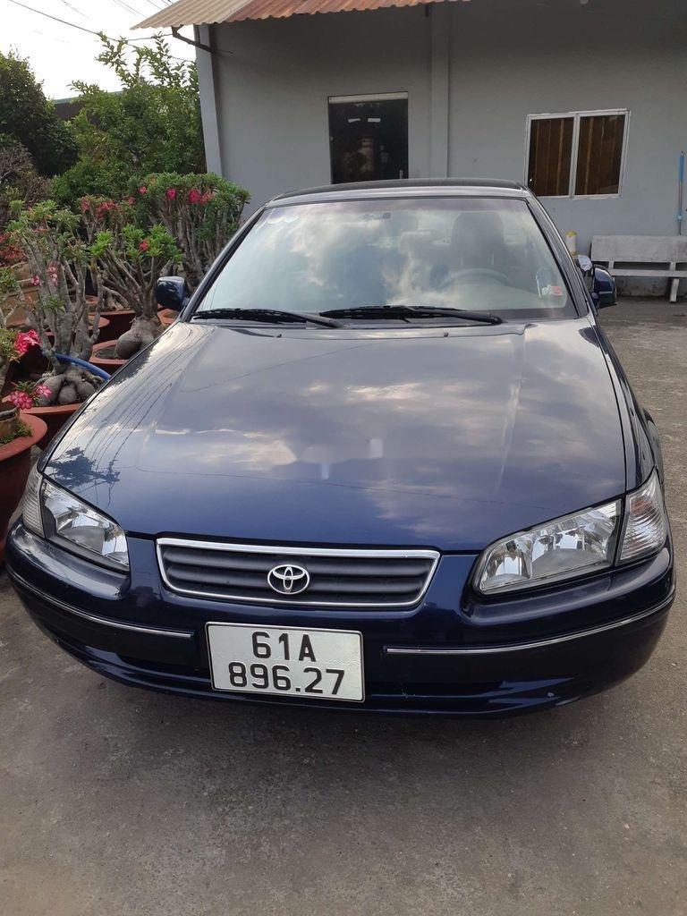 Cần bán gấp Toyota Camry đời 2001, màu xanh lam (3)