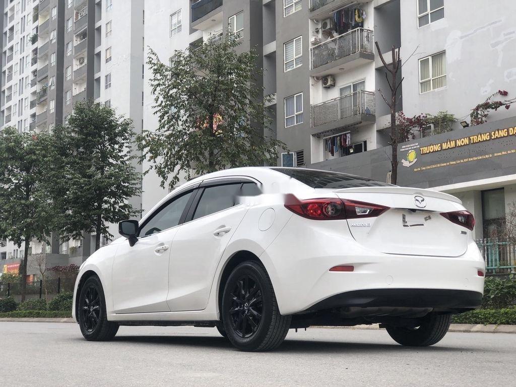 Cần bán gấp Mazda 3 năm 2018 xe gia đình giá cạnh tranh (4)