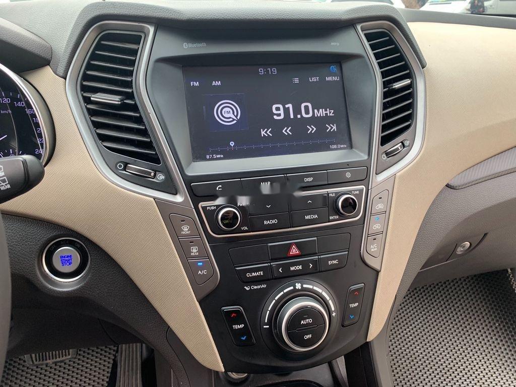 Bán ô tô Hyundai Santa Fe năm sản xuất 2018 còn mới, giá 899tr (8)