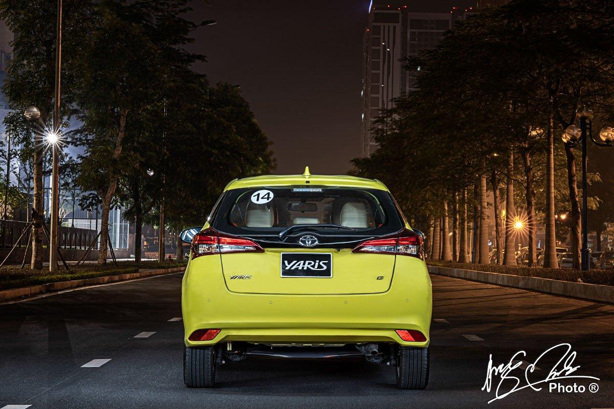 Đánh giá xe Toyota Yaris 2021 về đuôi xe.