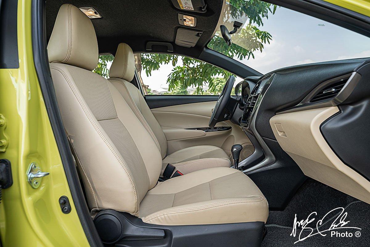 Ghế phụ của Toyota Yaris 2021 chỉnh cơ 4 hướng.