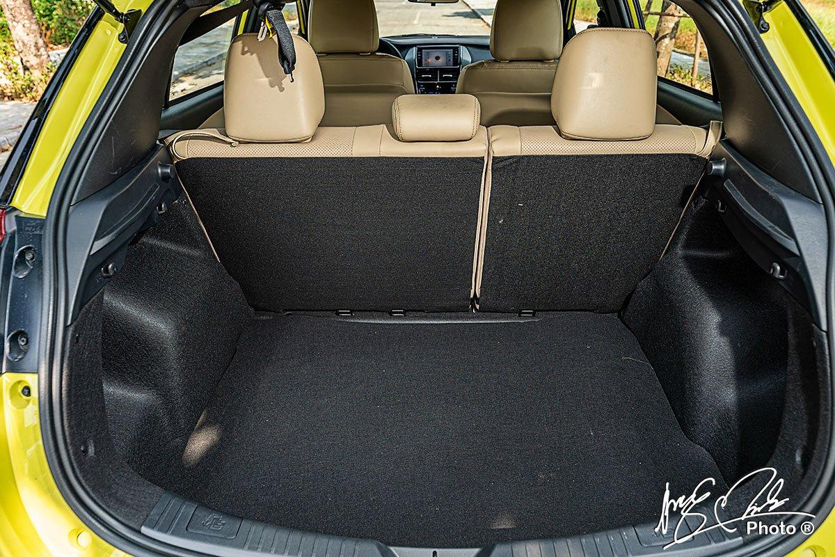 Khoang hành lý của Toyota Yaris 2021 có dung tích khá lớn, lên tới 326 lít.