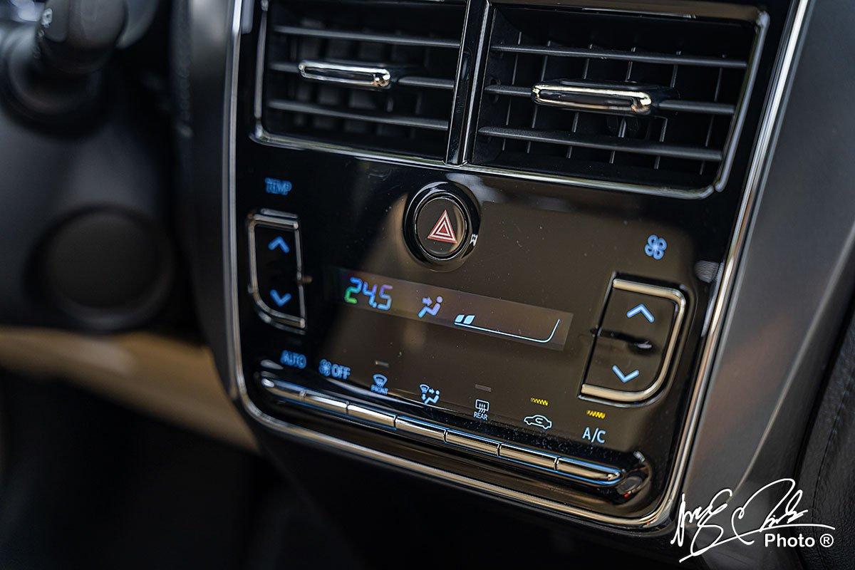 Điều hoà tự động trên Toyota Yaris 2021.