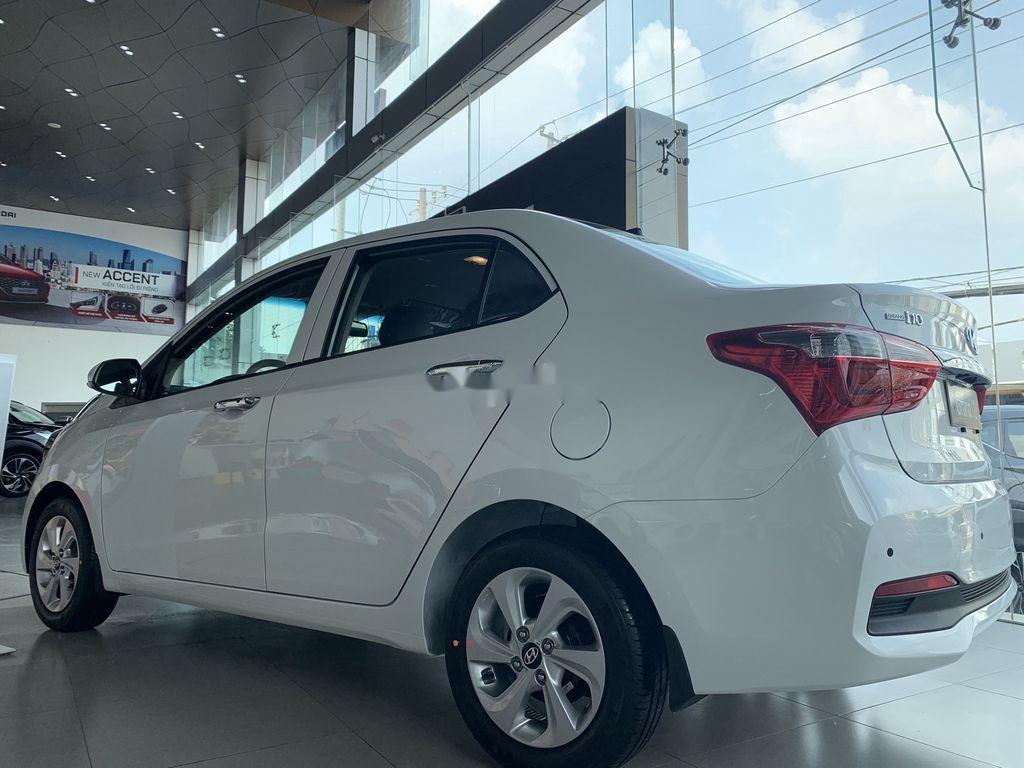 Cần bán Hyundai Grand i10 1.2AT năm 2021, giá thấp (7)