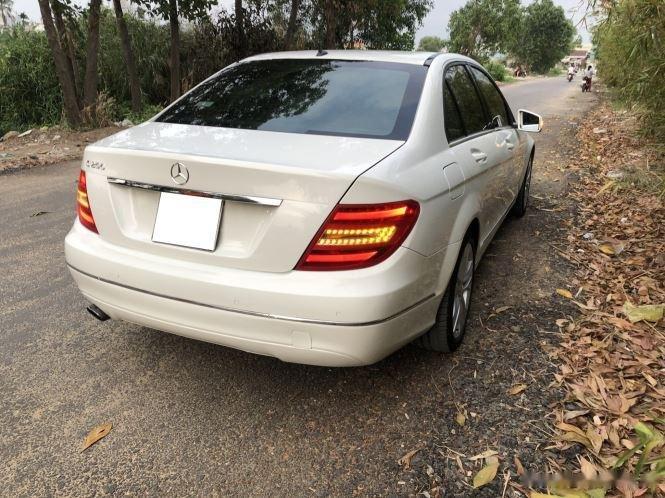 Bán xe Mercedes C200 sản xuất 2012, số tự động, giá chỉ 566 triệu (11)