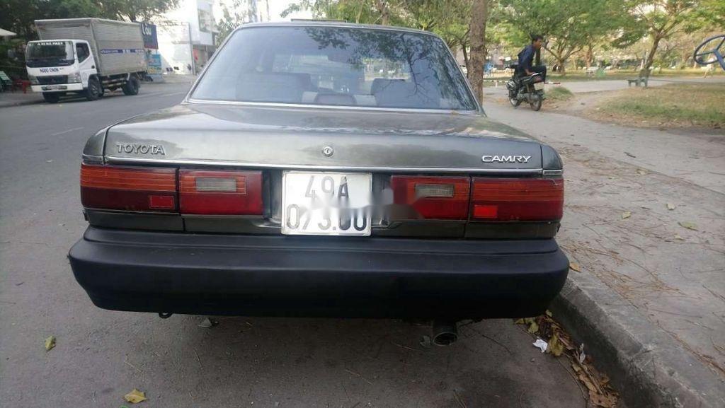 Cần bán xe Toyota Camry năm sản xuất 1988, nhập khẩu nguyên chiếc, 55 triệu (4)