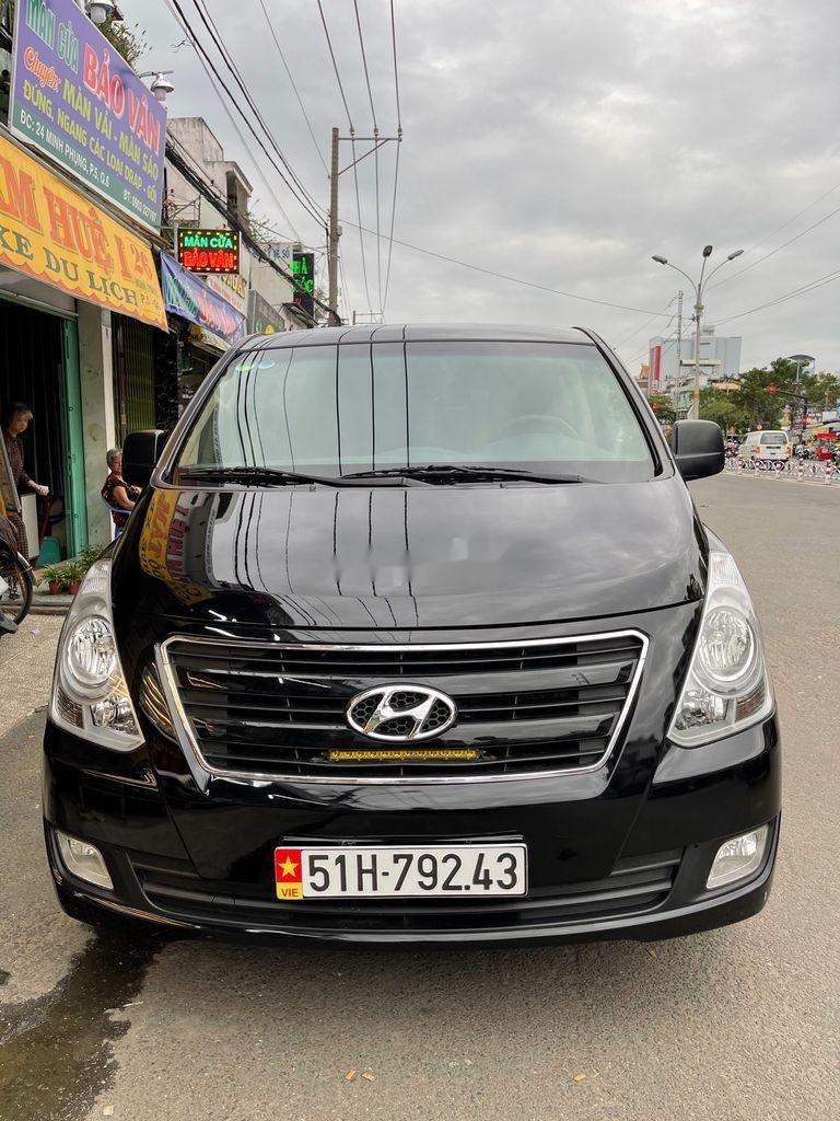 Bán ô tô Hyundai Grand Starex năm 2017, màu đen, xe nhập  (8)