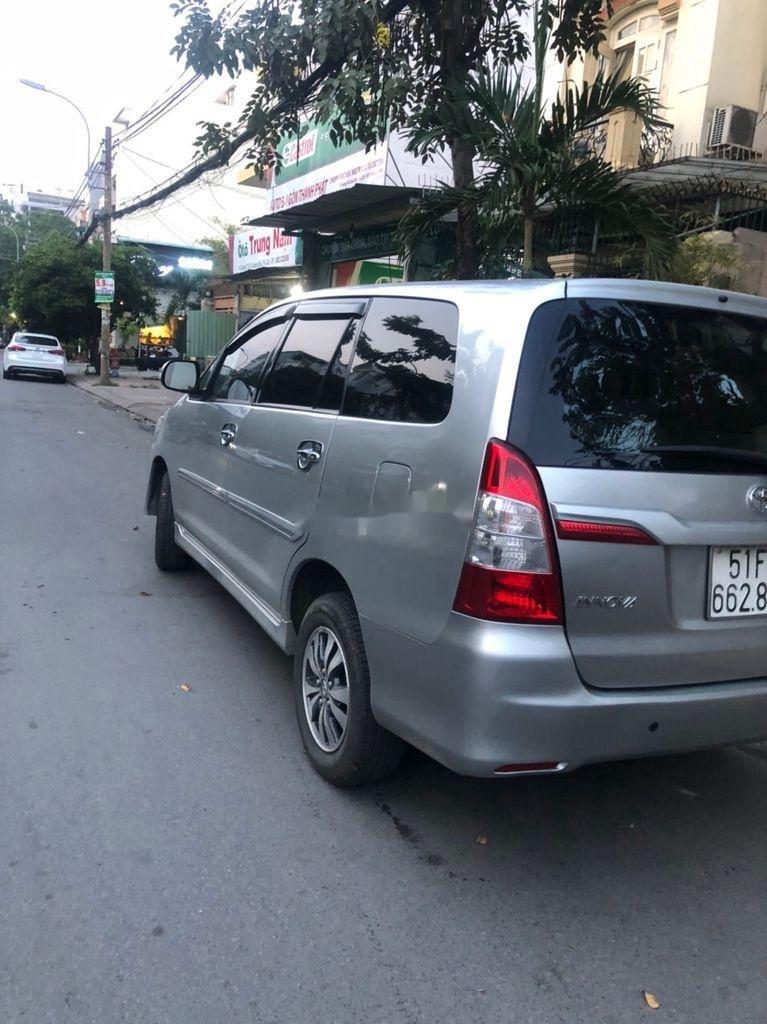 Xe Toyota Innova sản xuất năm 2016 còn mới, giá thấp (2)