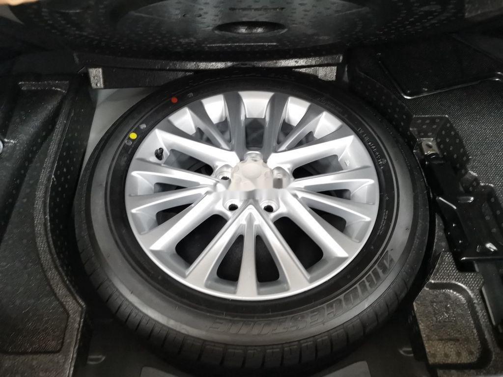 Bán Toyota Camry 2.0E sản xuất năm 2019 còn mới (8)