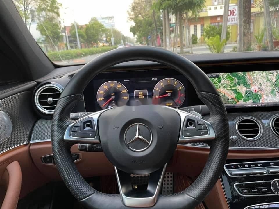 Cần bán gấp Mercedes E300 AMG sản xuất năm 2016, xe nhập (10)