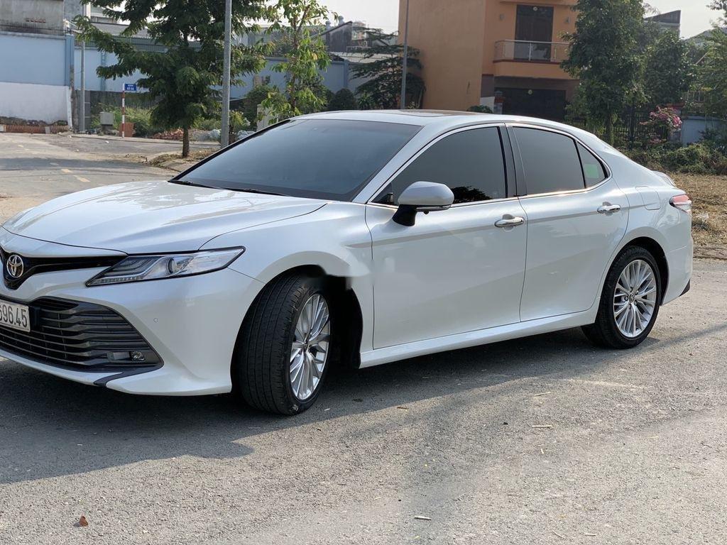 Bán ô tô Toyota Camry đời 2019, màu trắng, nhập khẩu  (2)