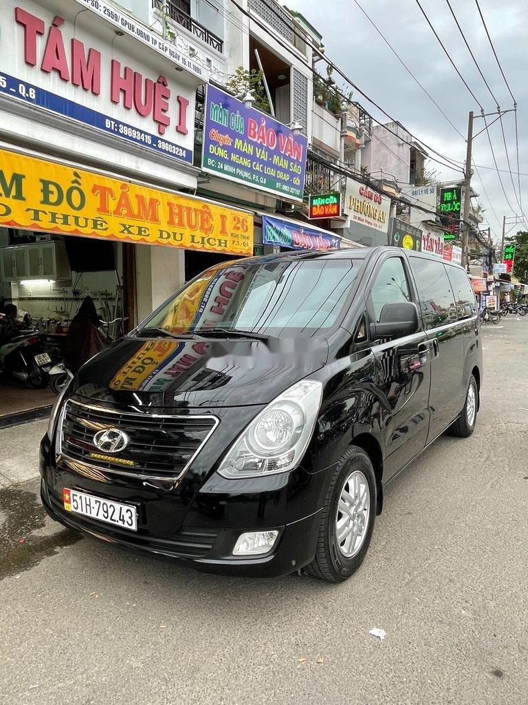 Bán ô tô Hyundai Grand Starex năm 2017, màu đen, xe nhập  (1)