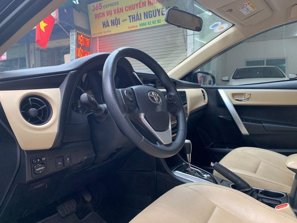 Bán xe Toyota Corolla Altis năm sản xuất 2018, giá chỉ 658 triệu (8)