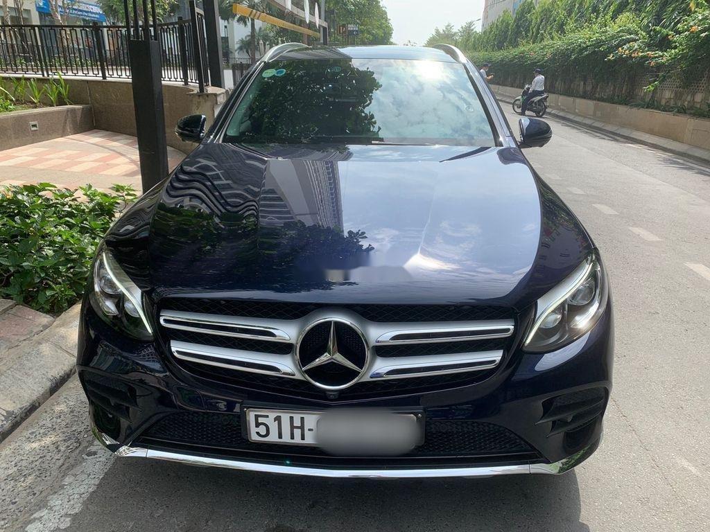 Cần bán xe Mercedes GLC 300 sản xuất năm 2019 (1)