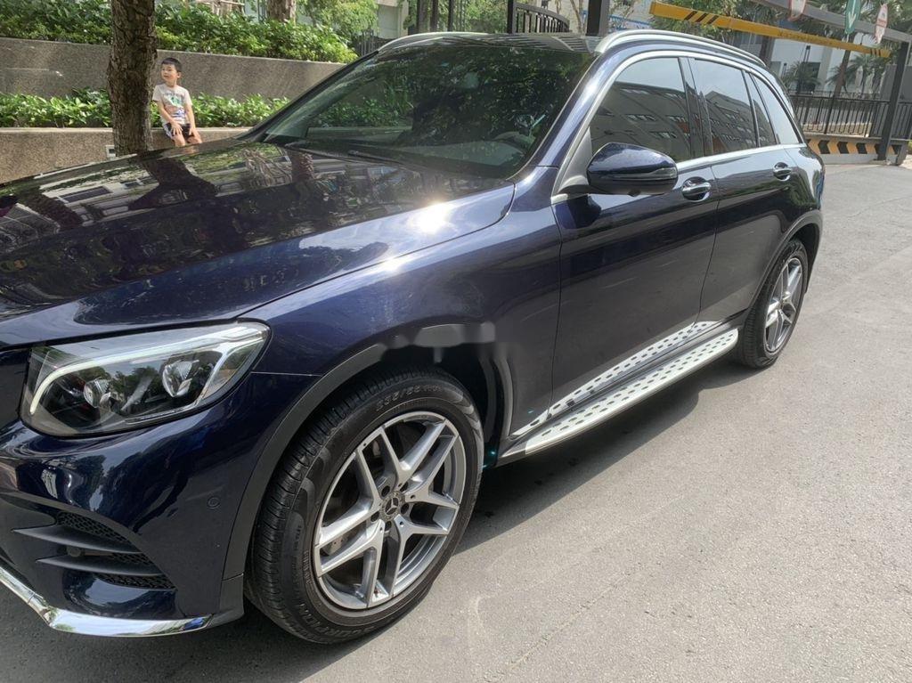 Cần bán xe Mercedes GLC 300 sản xuất năm 2019 (2)