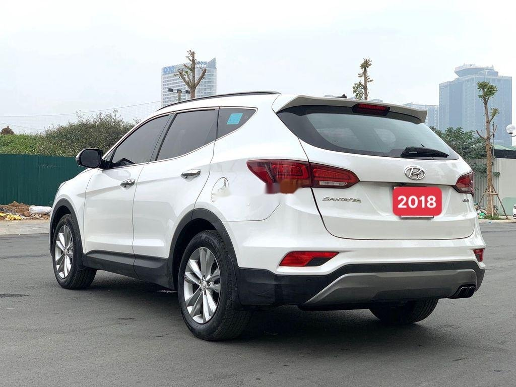 Bán ô tô Hyundai Santa Fe năm sản xuất 2018 còn mới, giá 899tr (4)