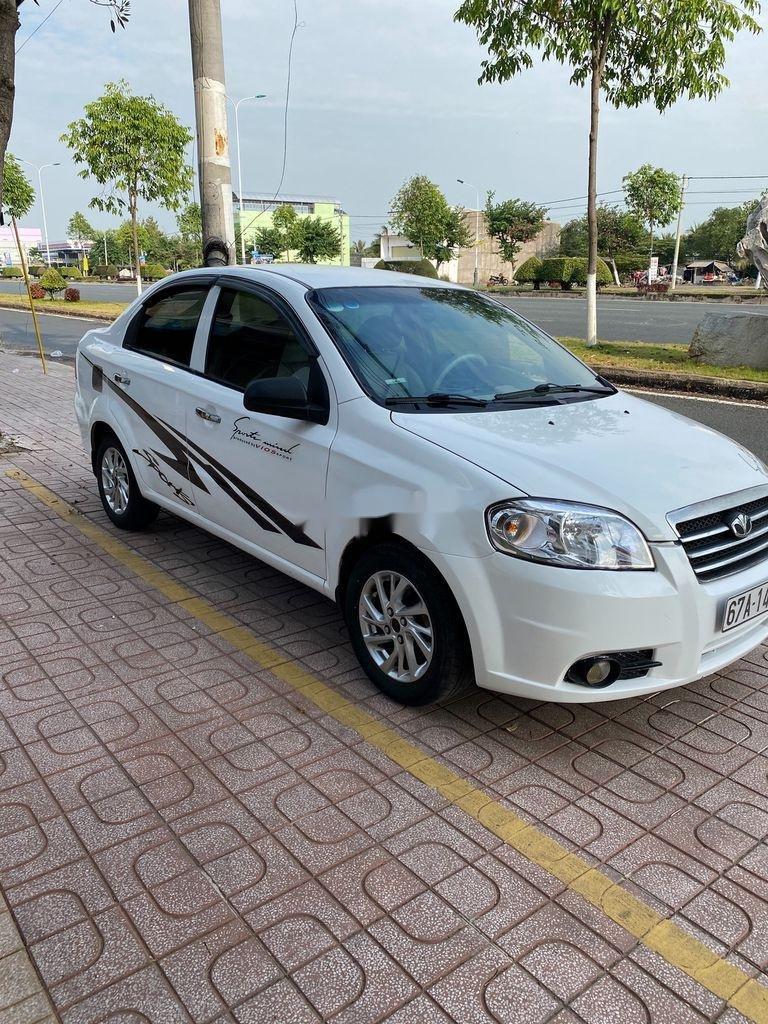 Bán xe Daewoo Gentra 2009, màu trắng còn mới (3)