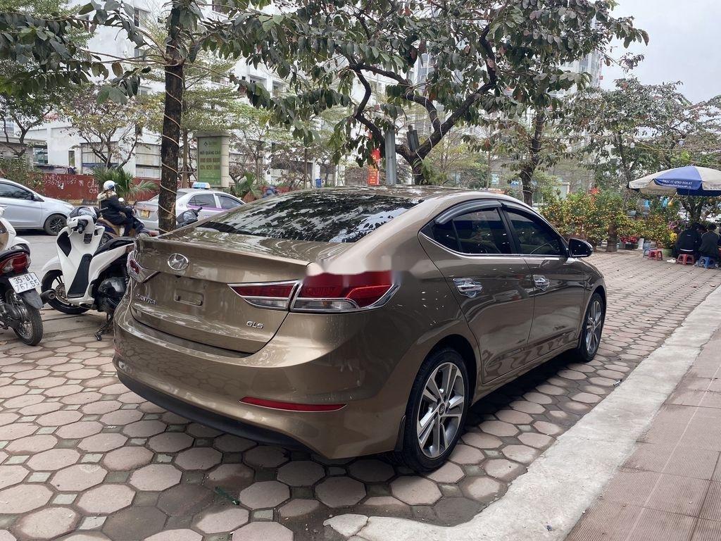Cần bán lại xe Hyundai Elantra 2.0AT sản xuất năm 2016, 558 triệu (6)