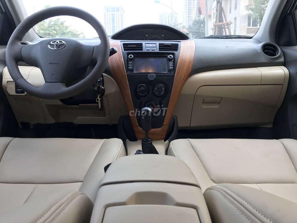 Bán xe Toyota Vios năm sản xuất 2015, giá mềm (8)