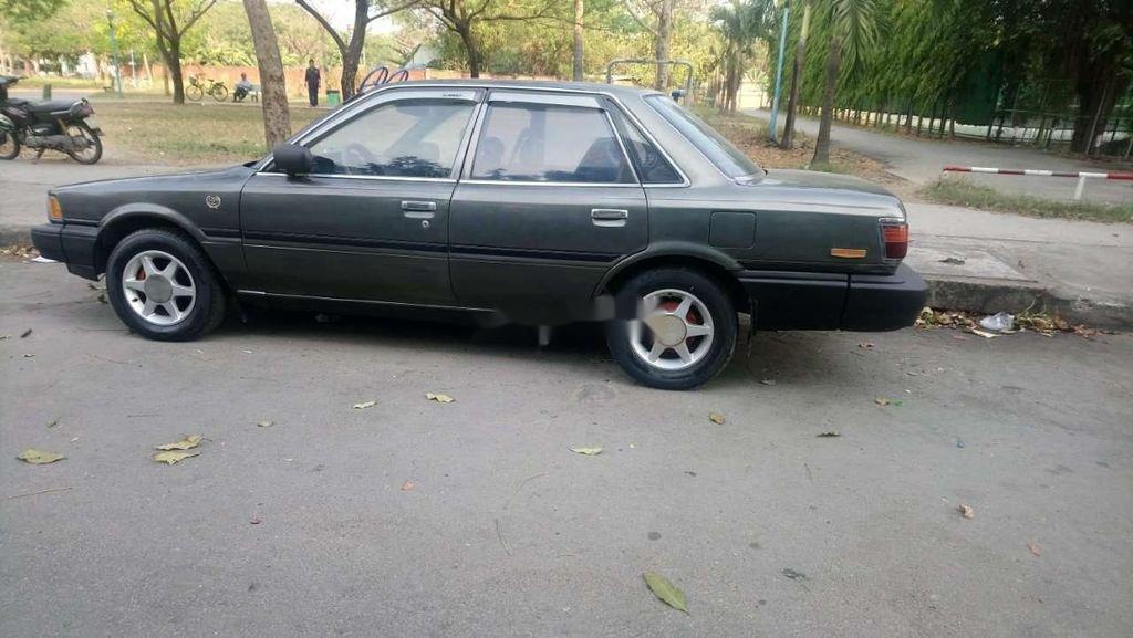 Cần bán xe Toyota Camry năm sản xuất 1988, nhập khẩu nguyên chiếc, 55 triệu (2)