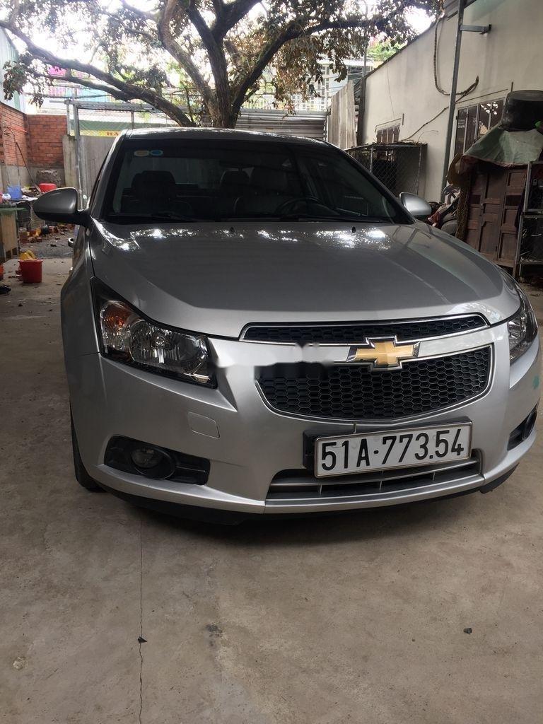 Cần bán Chevrolet Cruze sản xuất 2013, giá thấp, động cơ ổn định  (1)