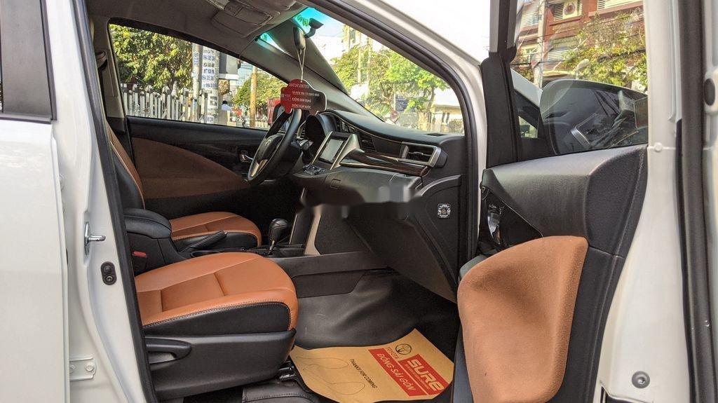 Cần bán gấp Toyota Innova sản xuất năm 2018, giá tốt (4)