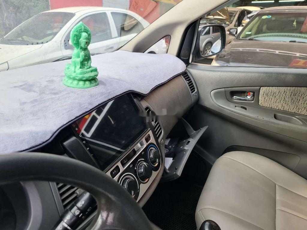Cần bán xe Toyota Innova sản xuất 2013 chính chủ, 380 triệu (7)