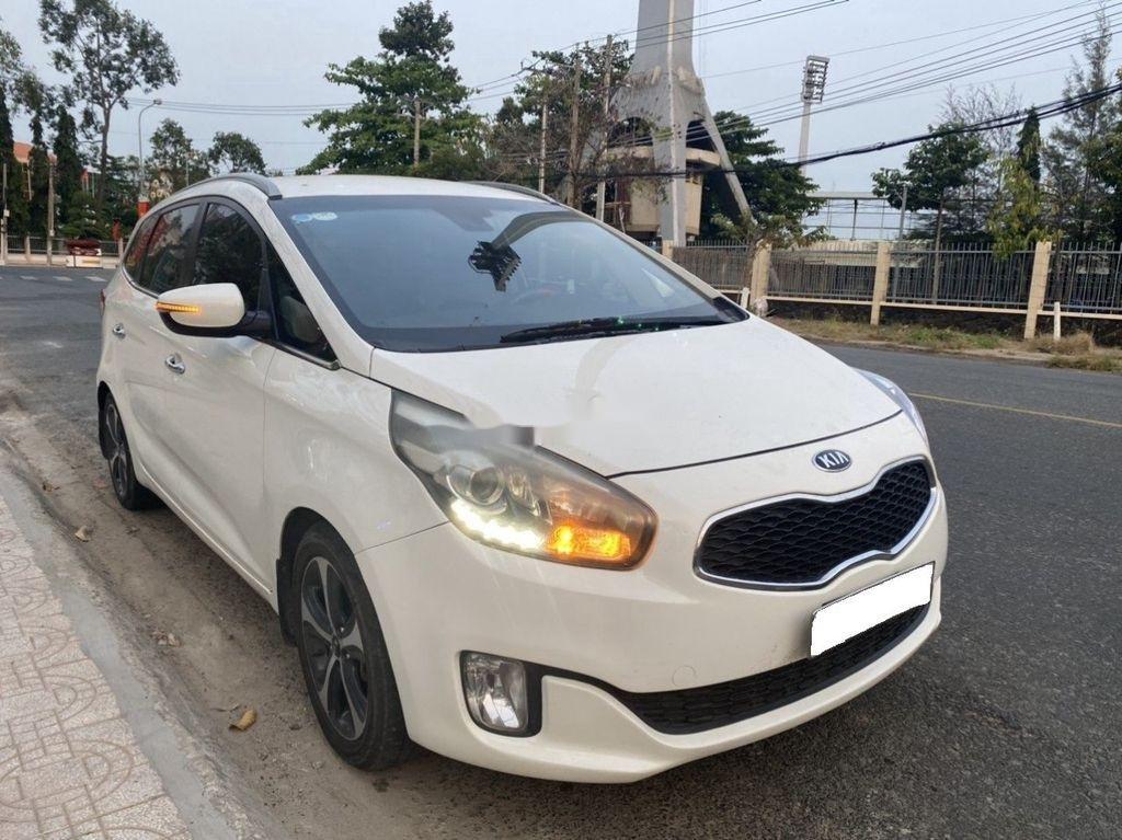 Cần bán Kia Rondo năm sản xuất 2016, màu trắng, nhập khẩu còn mới, 505tr (7)
