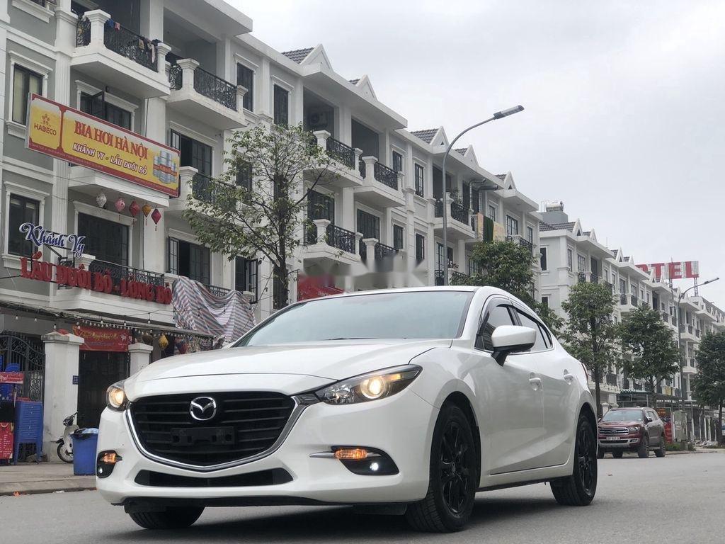Cần bán gấp Mazda 3 năm 2018 xe gia đình giá cạnh tranh (2)