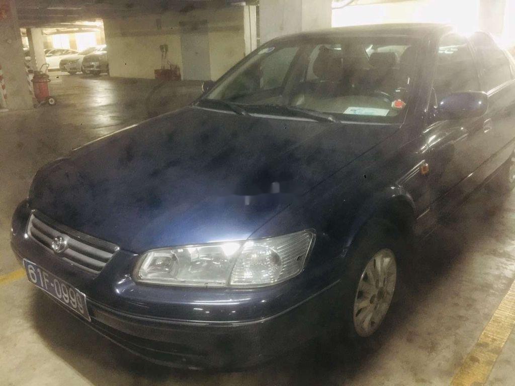 Cần bán gấp Toyota Camry đời 2001, màu xanh lam (2)
