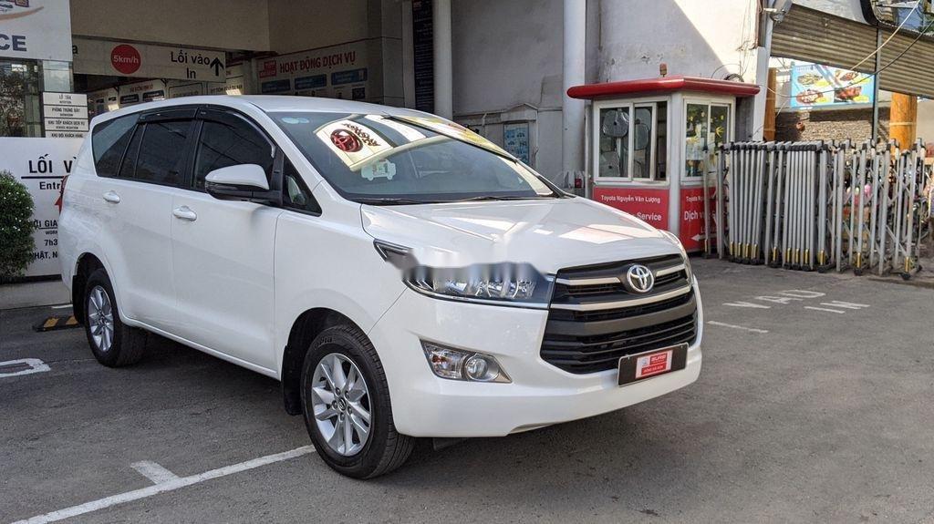 Cần bán gấp Toyota Innova sản xuất năm 2018, giá tốt (1)