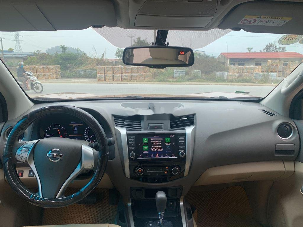 Cần bán gấp Nissan Navara năm 2019, xe nhập, giá 589tr (10)