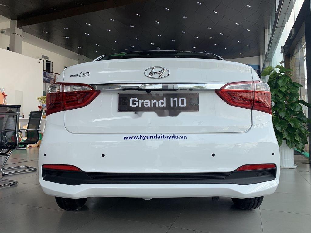 Cần bán Hyundai Grand i10 1.2AT năm 2021, giá thấp (3)