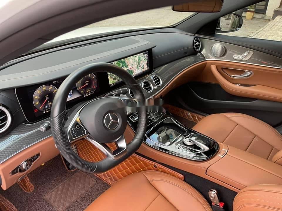 Cần bán gấp Mercedes E300 AMG sản xuất năm 2016, xe nhập (8)