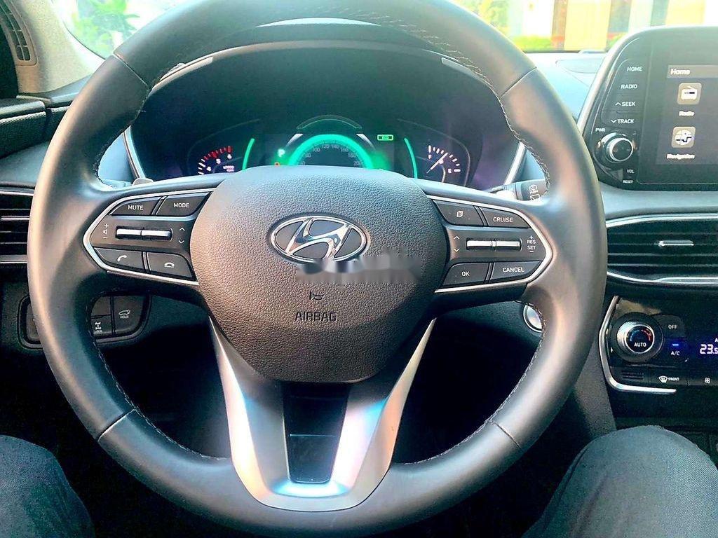 Cần bán Hyundai Santa Fe sản xuất năm 2019, giá mềm (8)