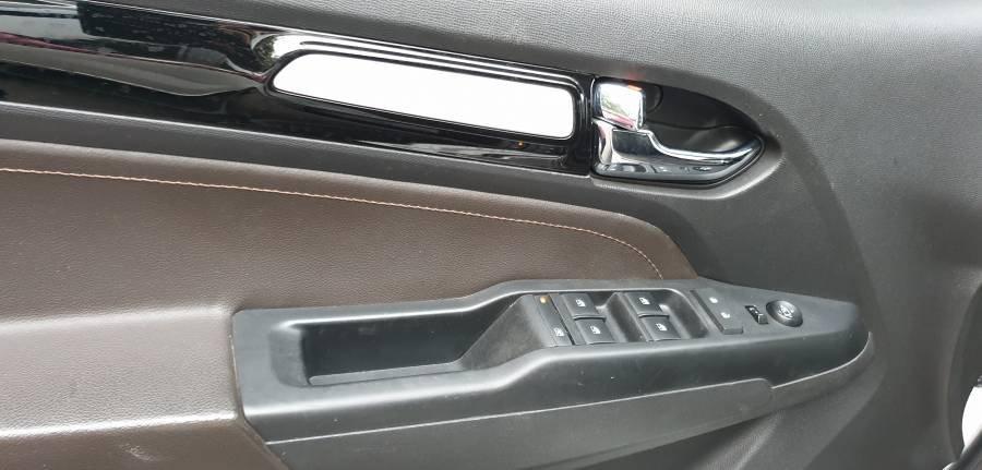 Bán ô tô Chevrolet Trailblazer 2.5 AT năm 2018, màu trắng, nhập khẩu (18)