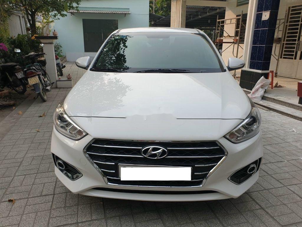 Bán xe Hyundai Accent 1.4AT năm sản xuất 2019, màu trắng, giá tốt (2)