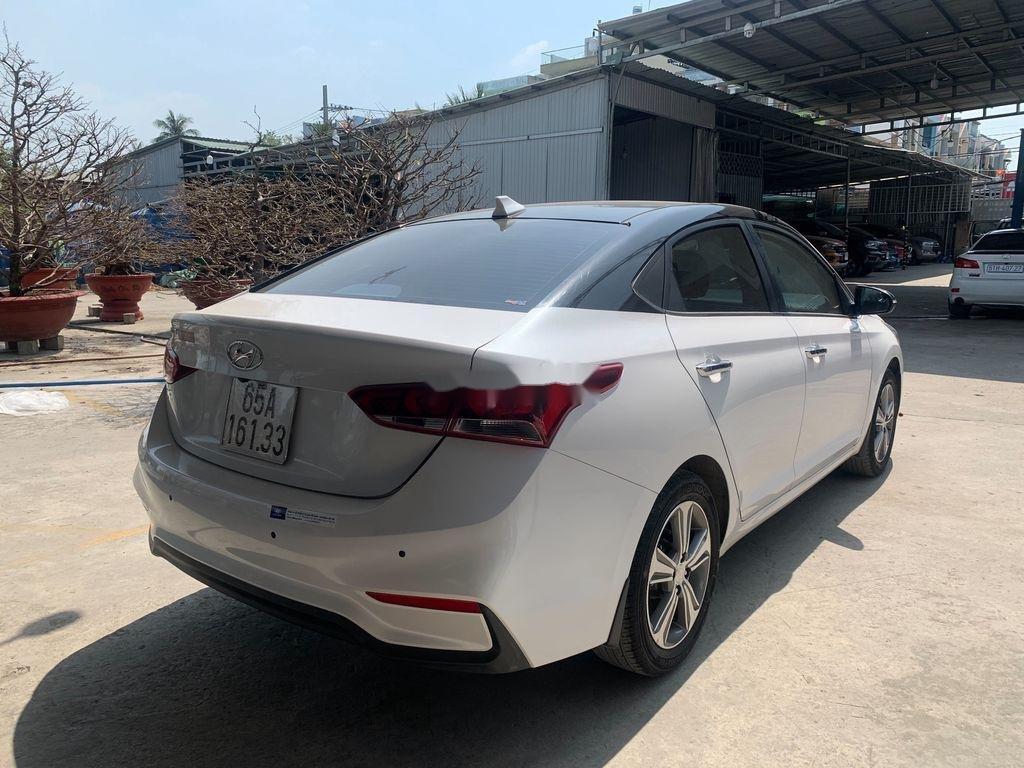 Xe Hyundai Accent 2018, màu trắng (4)