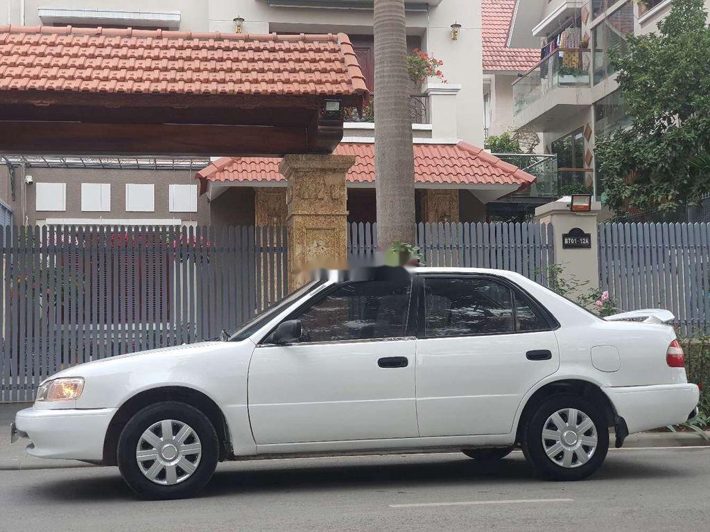Cần bán xe Toyota Corolla 2005, màu trắng (1)