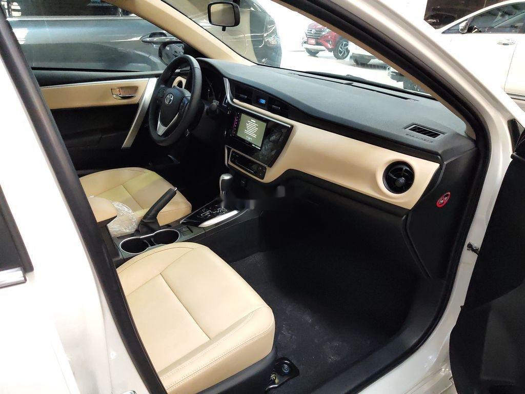 Bán Toyota Corolla Altis năm sản xuất 2020, màu trắng (4)