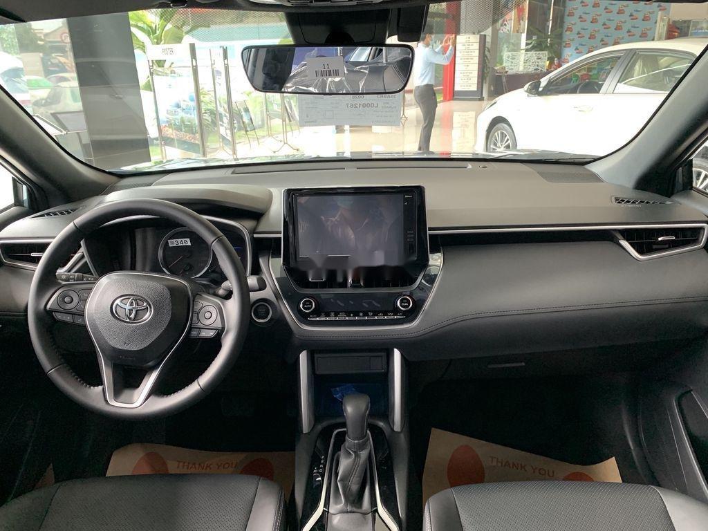 Cần bán Toyota Corolla Cross đời 2021, màu xám, xe nhập, giá tốt (8)