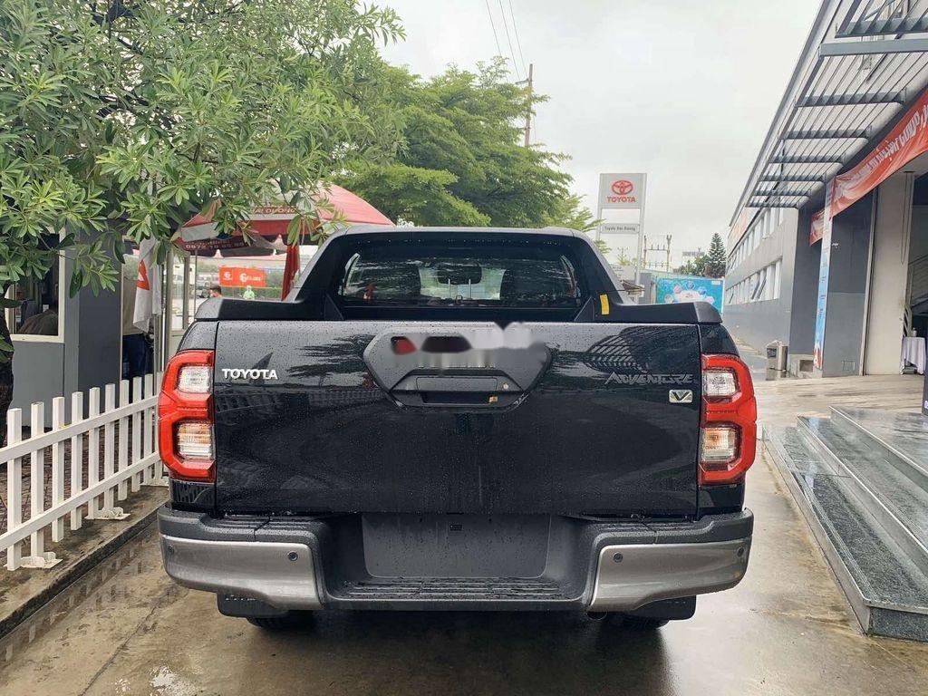 Bán Toyota Hilux 2021, màu đen, nhập khẩu nguyên chiếc (2)