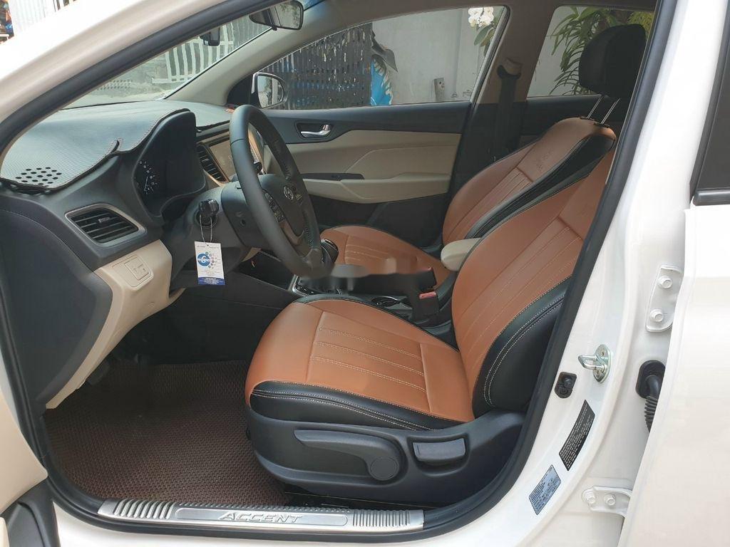 Bán xe Hyundai Accent 1.4AT năm sản xuất 2019, màu trắng, giá tốt (6)