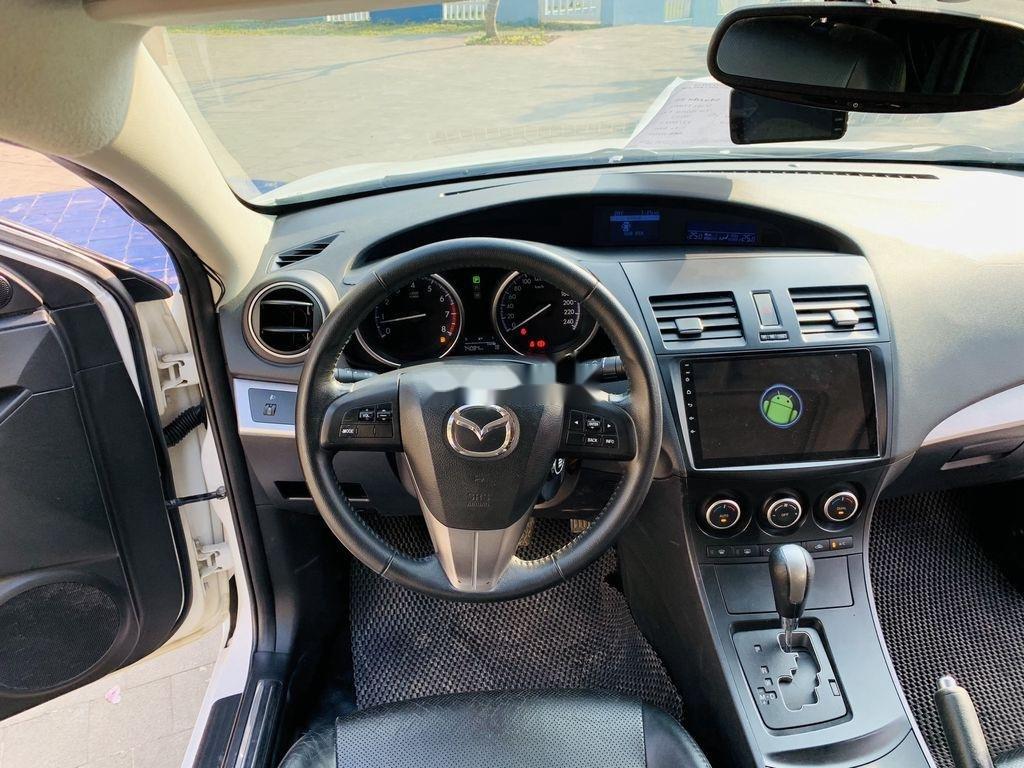 Cần bán Mazda 3 2012, màu trắng, giá cạnh tranh (3)