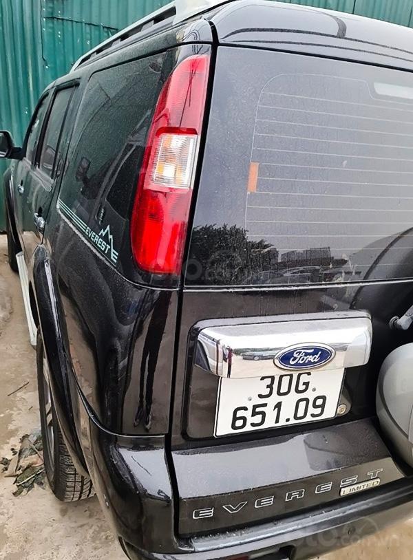Bán xe Ford Everest sản xuất 2009, màu đen (5)