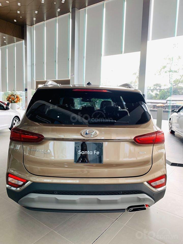 Hyundai Santafe ưu đãi ngay 70 triệu, 50% thuế, full bộ phụ kiện, xe đủ màu giao ngay chạy Tết (3)