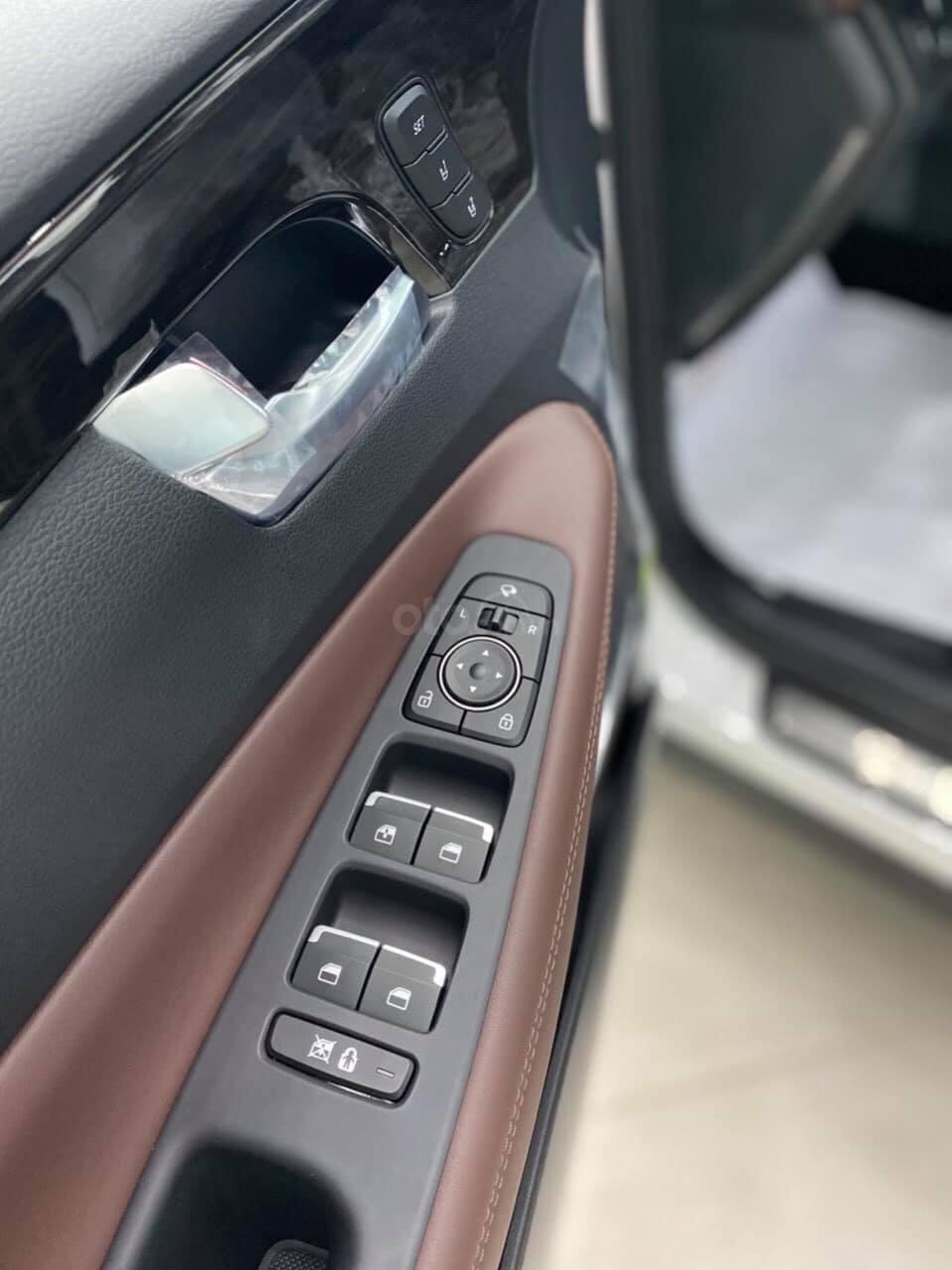 Hyundai Santafe ưu đãi ngay 70 triệu, 50% thuế, full bộ phụ kiện, xe đủ màu giao ngay chạy Tết (6)