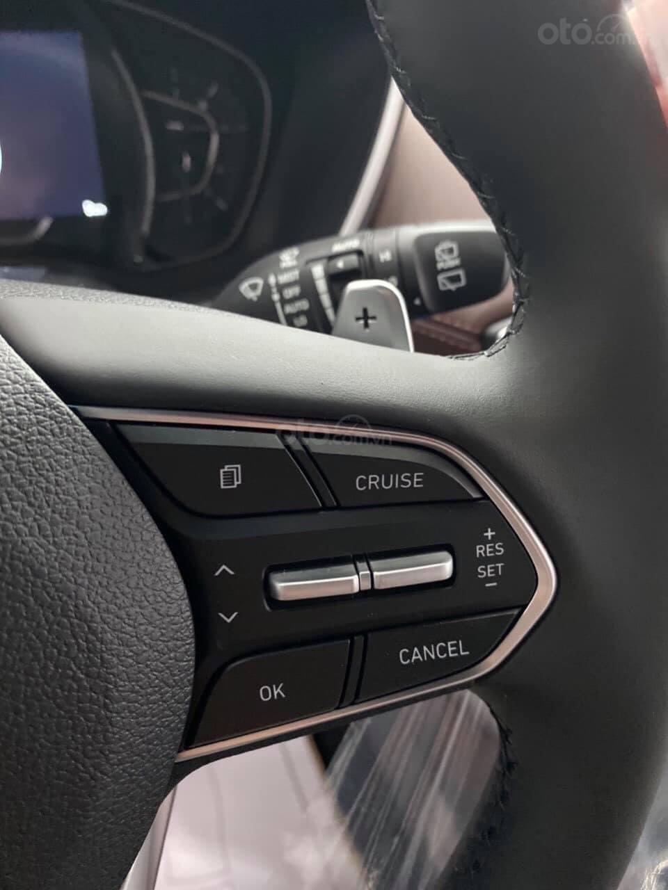 Hyundai Santafe ưu đãi ngay 70 triệu, 50% thuế, full bộ phụ kiện, xe đủ màu giao ngay chạy Tết (8)