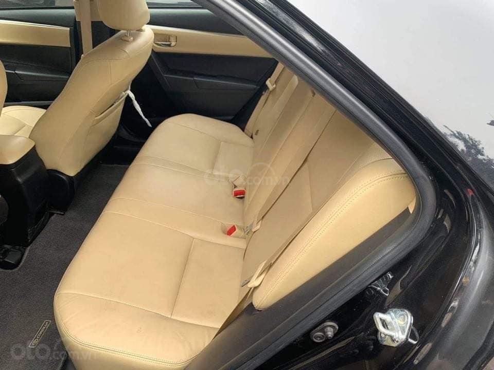 Cần bán gấp Toyota Corolla Altis 1.8G đời 2018, màu đen chính chủ (4)